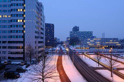 De Uithof in Utrecht, zicht op de Heidelberglaan van Donker Utrecht