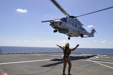 Marine helicopter von Gilian Fijen