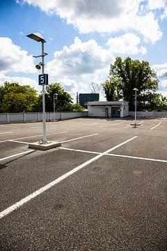 parkeerniveau 5 - 4 van Marc Heiligenstein