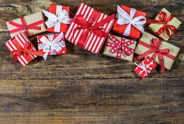 Kerst geschenkdozen met lint strikken samenstelling van Alex Winter