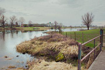 IJssel veer bij Bronckhorst Gelderland van Leo Lamboo