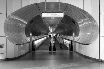 Het Metrostation Wilhelmiaplein van Petra Brouwer
