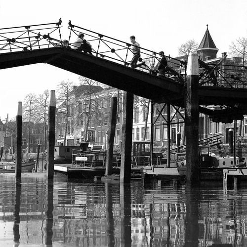 Lange IJzeren Brug in Dordrecht van