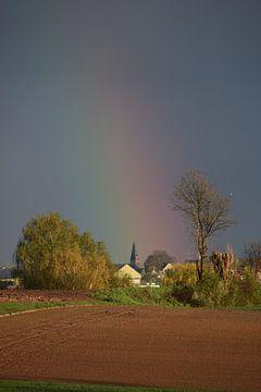Dorp in de regenboog von Maarten Honinx