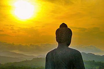 Silhouette Buddha auf Borobudur von Eduard Lamping