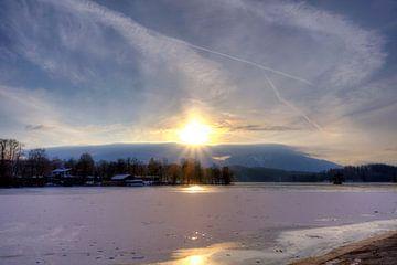 Voor de zon aan de Staffelsee van Roith Fotografie