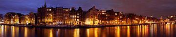 Panorama von Amsterdam auf der Amstel bei Sonnenuntergang von Nisangha Masselink
