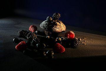 Brownie met rood fruit van Diana van Geel