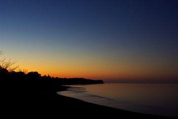 Zonsondergang op de Baltische Zee van