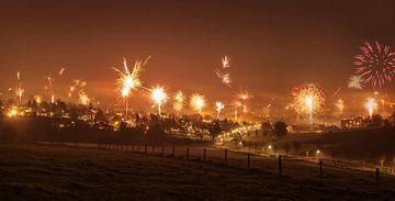 Vuurwerk boven Simpelveld van John Kreukniet
