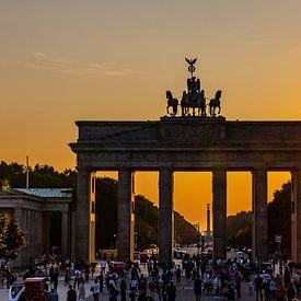 Brandenburger Torund Pariser Platz im Sonnenuntergang von Frank Herrmann