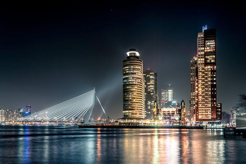 Wilhelmina pier vanaf Katendrecht Rotterdam van Anton Osinga