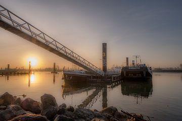 Overnachtingshaven zonsopkomst van Moetwil en van Dijk - Fotografie