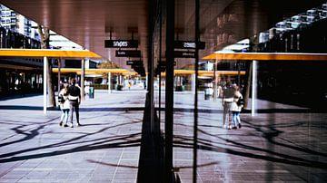 Corona in Rotterdam van Marvin Leter