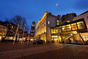 Stadhuis van Utrecht met de Domtoren op de achtergrond