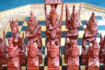 Handgemaakt schaakspel uit Indonesie van Ronald H