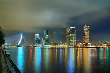 Rotterdam Skyline Nacht van Peet de Rouw