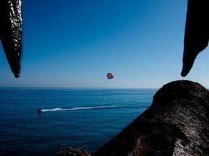 Wassersport mit Blick auf das Meer von Ivanovic Arndts