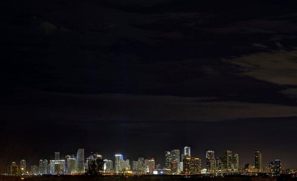 Miami Skyline bij Nacht van M DH