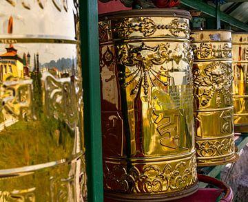Gebetsschriftrollen im buddhistischen Kloster