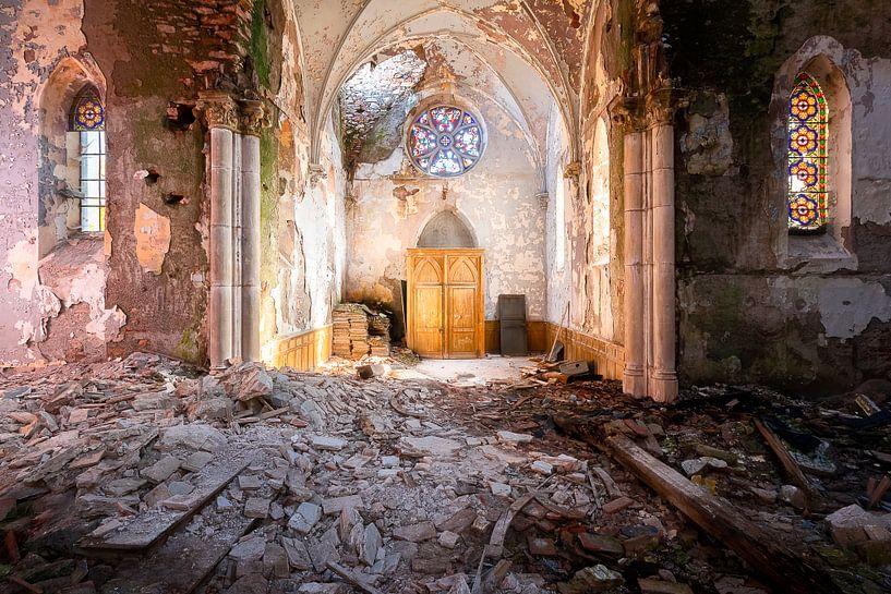 Sunlight in Church. sur Roman Robroek