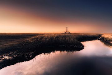 Vuurtoren Westerhever aan de Noordzee in de kwelders van Westerhever van Voss Fine Art Fotografie