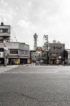 Straten in de Shinsekai wijk in Japan van Mickéle Godderis
