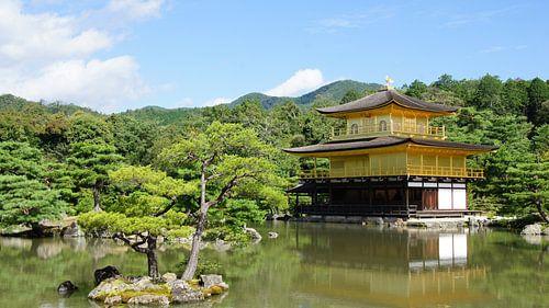 Gouden tempel in Kyoto in Japan van