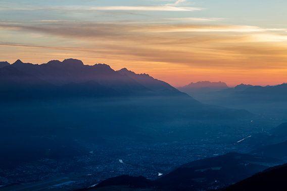 Goedemorgen Innsbruck! Zonsopkomst in de Oostenrijkse Alpen