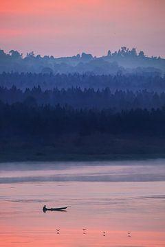 Magische zonsopkomst boven rivier de nijl van Krijn van der Giessen