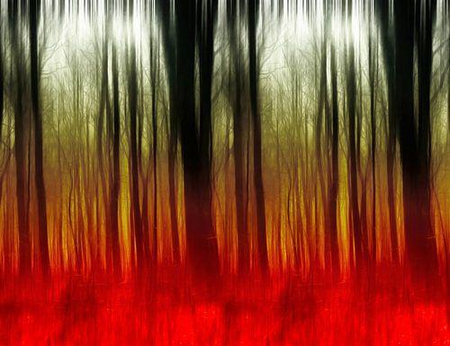 Abstract autumn forest in rood en groen tonen