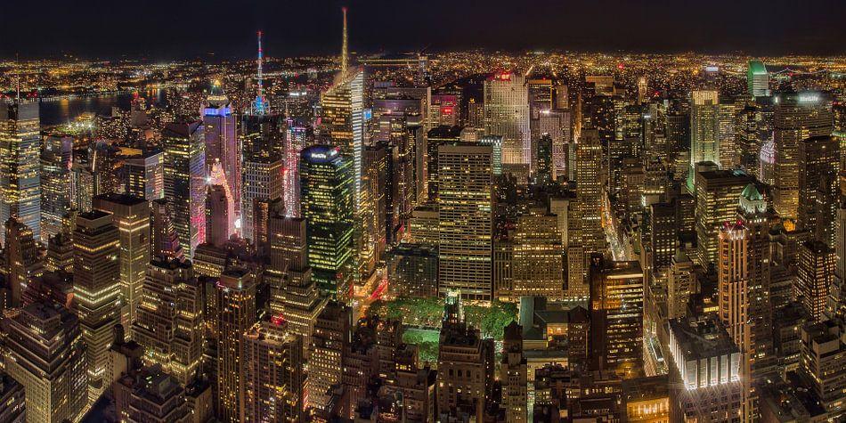 New York night sky line van Bob de Bruin