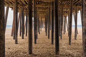 Onder de pier