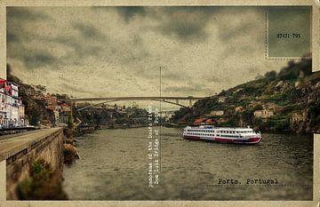 oude retro postkaart van de rivier de Douro,  Porto, Portugal van Ariadna de Raadt