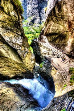 Waterval in berg van