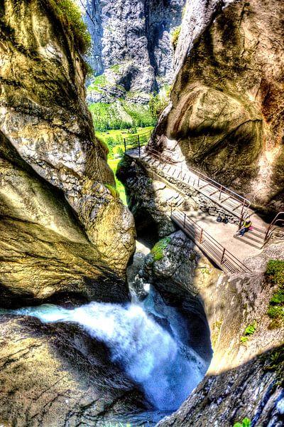 Waterval in berg van Wouter Sikkema