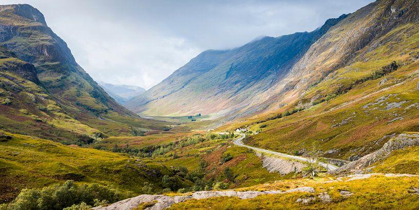 De pas naar Glencoe in de Schotse highlands von Rob IJsselstein