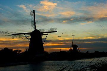 Dusk @ Kinderdijk von TenZ .NL