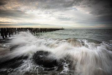 Bewegende golven van Linda Raaphorst