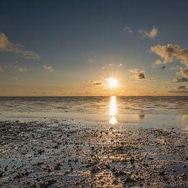 Schöner Sonnenuntergang über dem Wattenmeer von Patrick Verhoef
