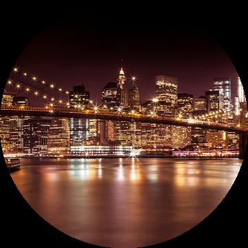 Night Skyline Manhattan Brooklyn Bridge van Melanie Viola