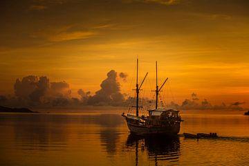 Zonsondergang met schip van peter verreussel