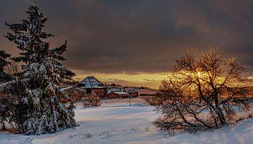Erzgebirge zur Goldenen Stunde im Winter von Johnny Flash