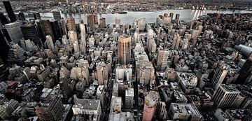 Freedom Tower in de schemering vanaf Paulus Hoor