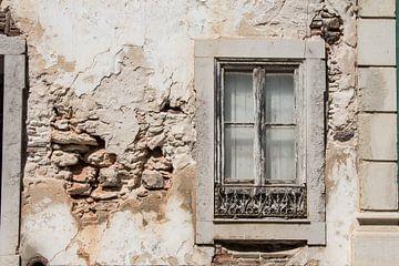 Oud raam von Yvonne van der Meij