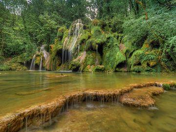 Cascade des Tufs - Jura - Frankrijk. sur Jan Plukkel