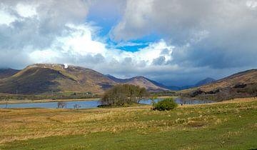 Meer in de hooglanden van Schotland van