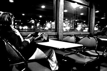 At night on a ferry, alone and lonely. van Norbert Sülzner