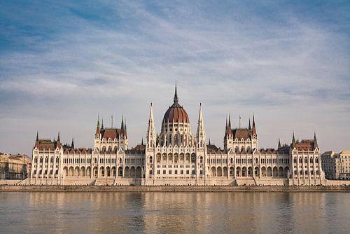 Hungarian Parliament Building von Paul Oosterlaak
