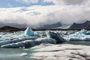 IJsschotsen in gletsjermeer van